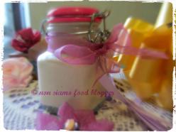 Cold Cream al Burro di Karitè ed Olio di Vinaccioli, con profumo di Iris.