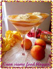 Crema di Mascarpone e Yogurt con Coulis di Pesche