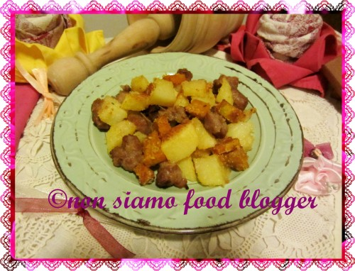 Zucca e patate sabbiose con salsiccia