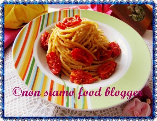 Spaghetti con Pomodorini al forno e Pangrattato