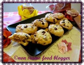 Cookies al Farro con Cioccolato Bianco e Mirtilli